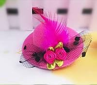 Заколка шляпка малиновая