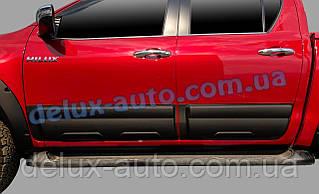 Накладки на двери на Toyota Hilux 2019+ Молдинги на двери для Тойота Хайлюкс с 2019