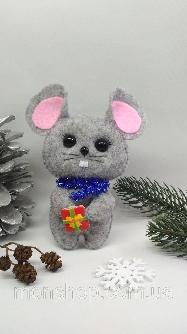 Мышка с подарком