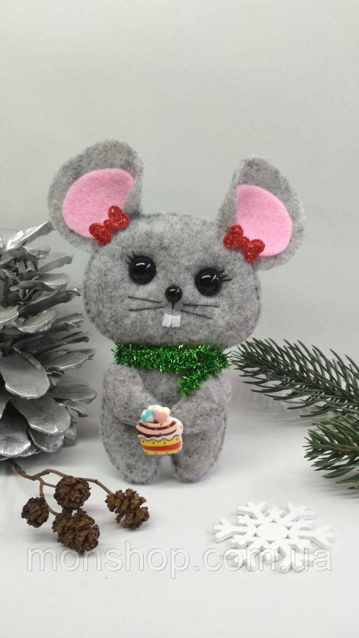 Мышка с пироженкой (девочка)
