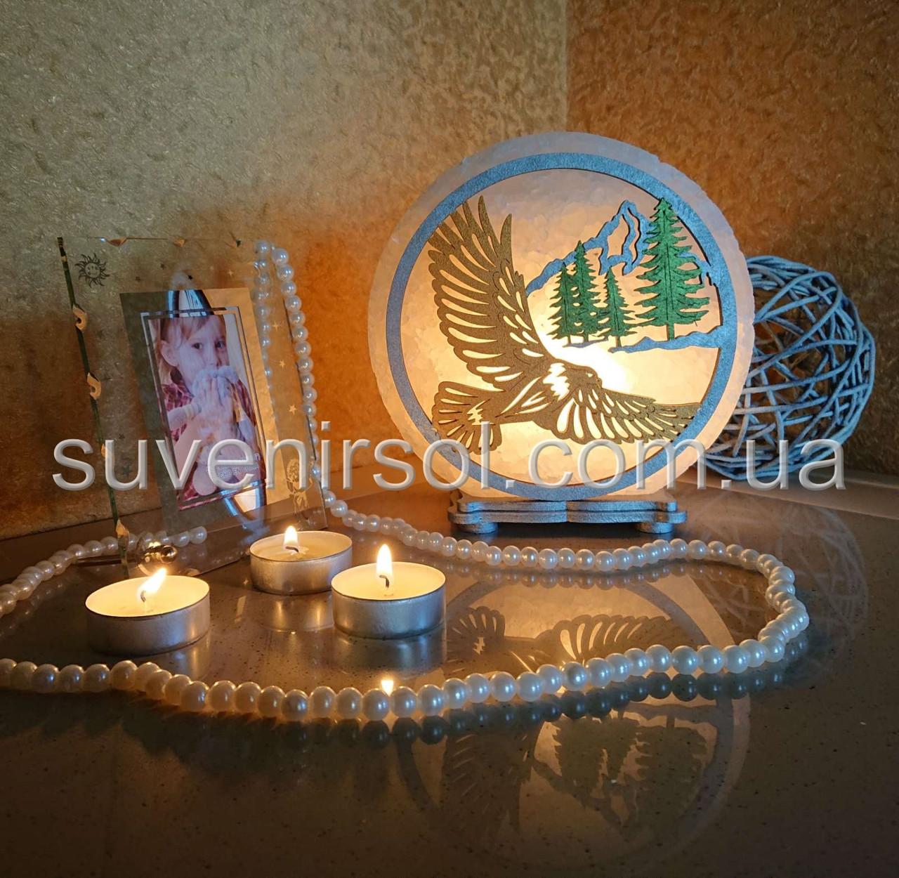 Соляной светильник круглый Орел и горы цветной