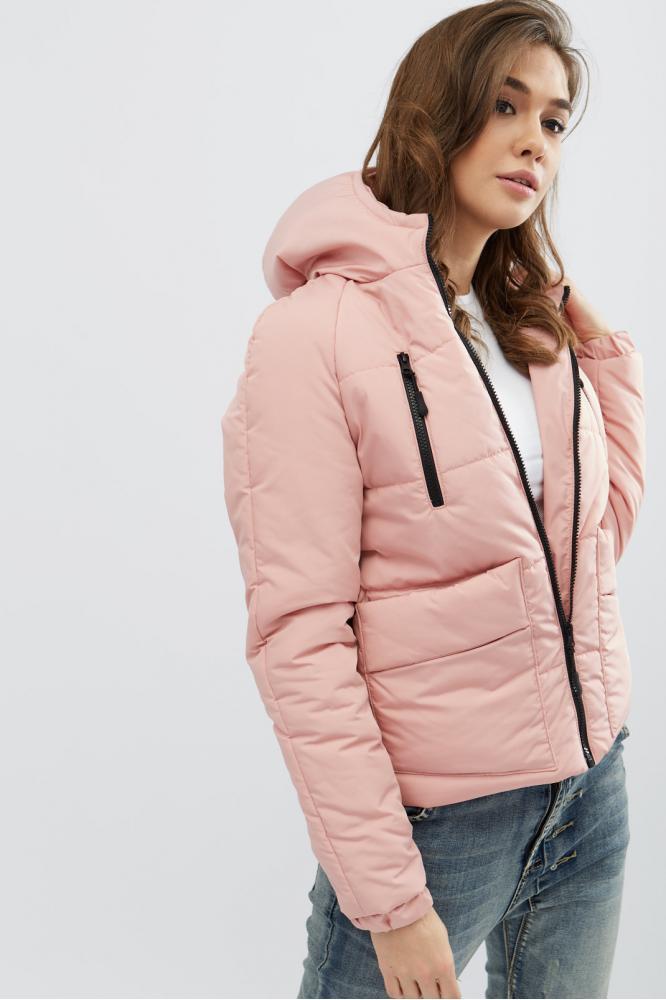 Женская короткая демисезонная куртка с капюшоном пудра