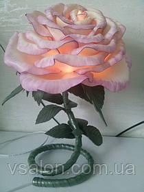 Настольный светильник роза из изолона