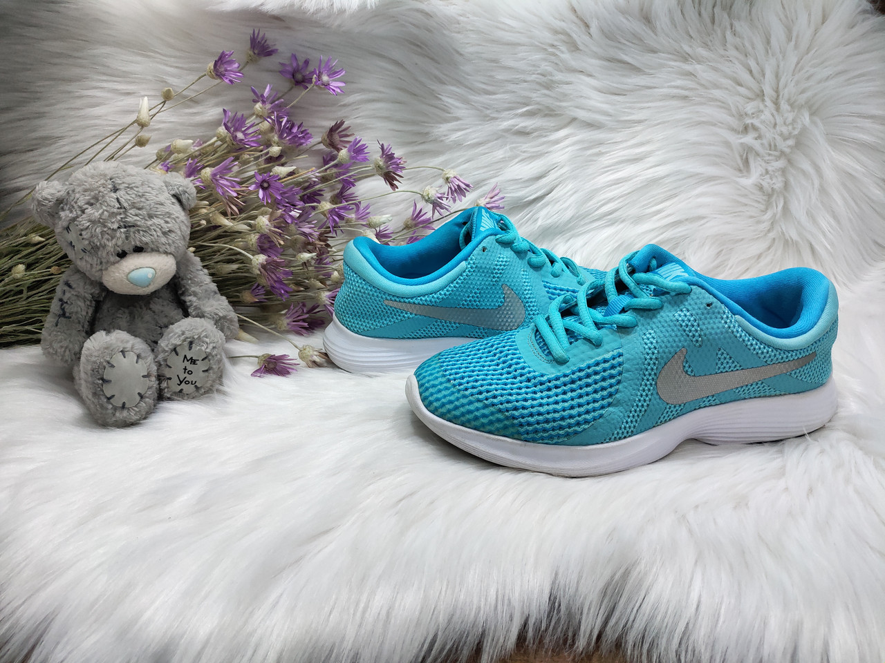 Кроссовки Nike Revolution 4 (35 размер) бу