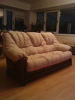 Перетяжка дивана на деревяном каркасе