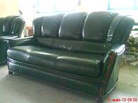 Ремонт и перетяжка кожаного дивана.