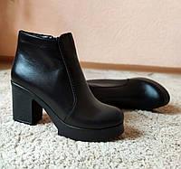 Женские кожаные ботинки на устойчивом каблуке, фото 1