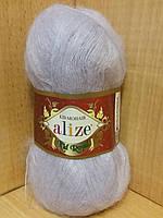 Мохеровая пряжа (62%- кид мохер, 38%- полиамид, 50 г/ 500 м) Alize Kid Royal 224