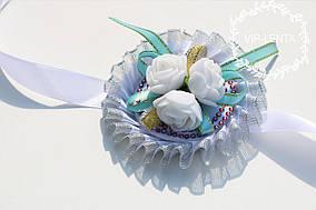 Белая с белыми розами Бутоньерка на руку