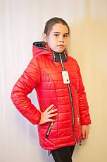Красивая модная дешевая демисезонная куртка с капюшоном, красная, р.134,140,146., фото 2