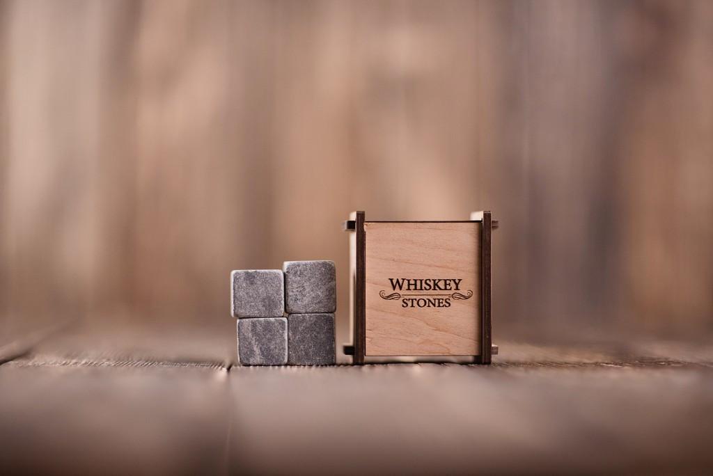 Камни для виски, 4 шт. в деревянной шкатулке, стеатит