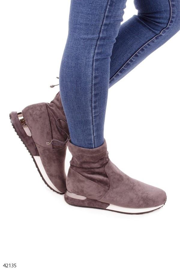 Женские осенние ботинки серые эко-замш