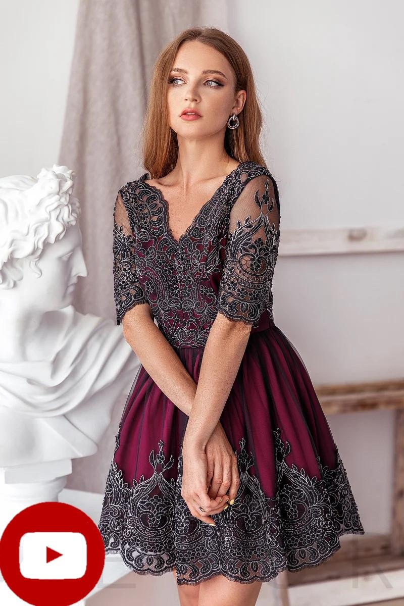 Вечернее платье-мини глубокого красного цвета v-образный вырез спереди и на спине