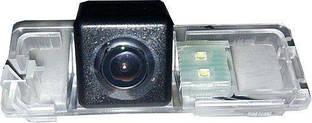 Камера заднего вида Phantom CA-VAG2 для Skoda Rapid 2012+, Yeti 2014+ (в ручку багажника)