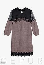 Стильное платье прямого кроя с кружевными вставками цвет фрезовый, фото 3
