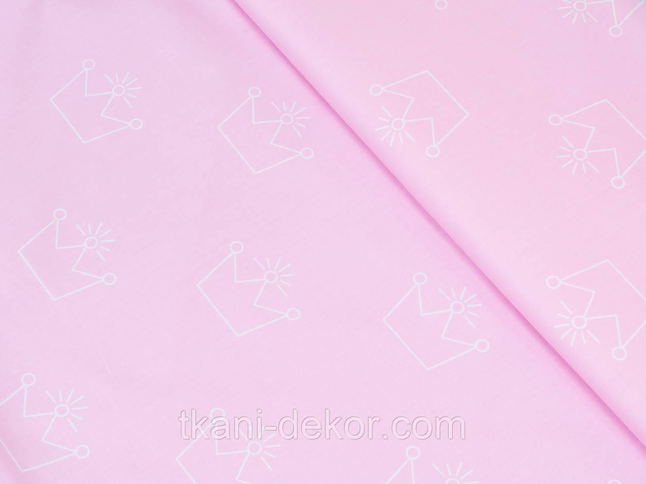 Сатин (хлопковая ткань) на розовом фоне короны