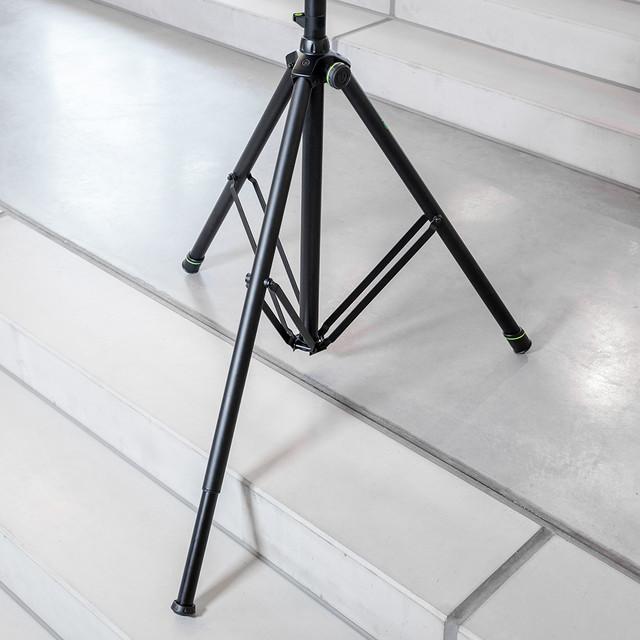 Зажим с уровнем для стоек с диаметром трубы 35-45мм Gravity SALC35B