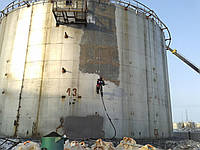 Пескоструйная очистка (образивная очистка, гидроочистка, антикорзащита) резервуара,цистерны и труб
