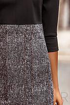 Двухцветное элегантное платье расклешенного кроя с завышенной линией талии цвет серо-черный, фото 3