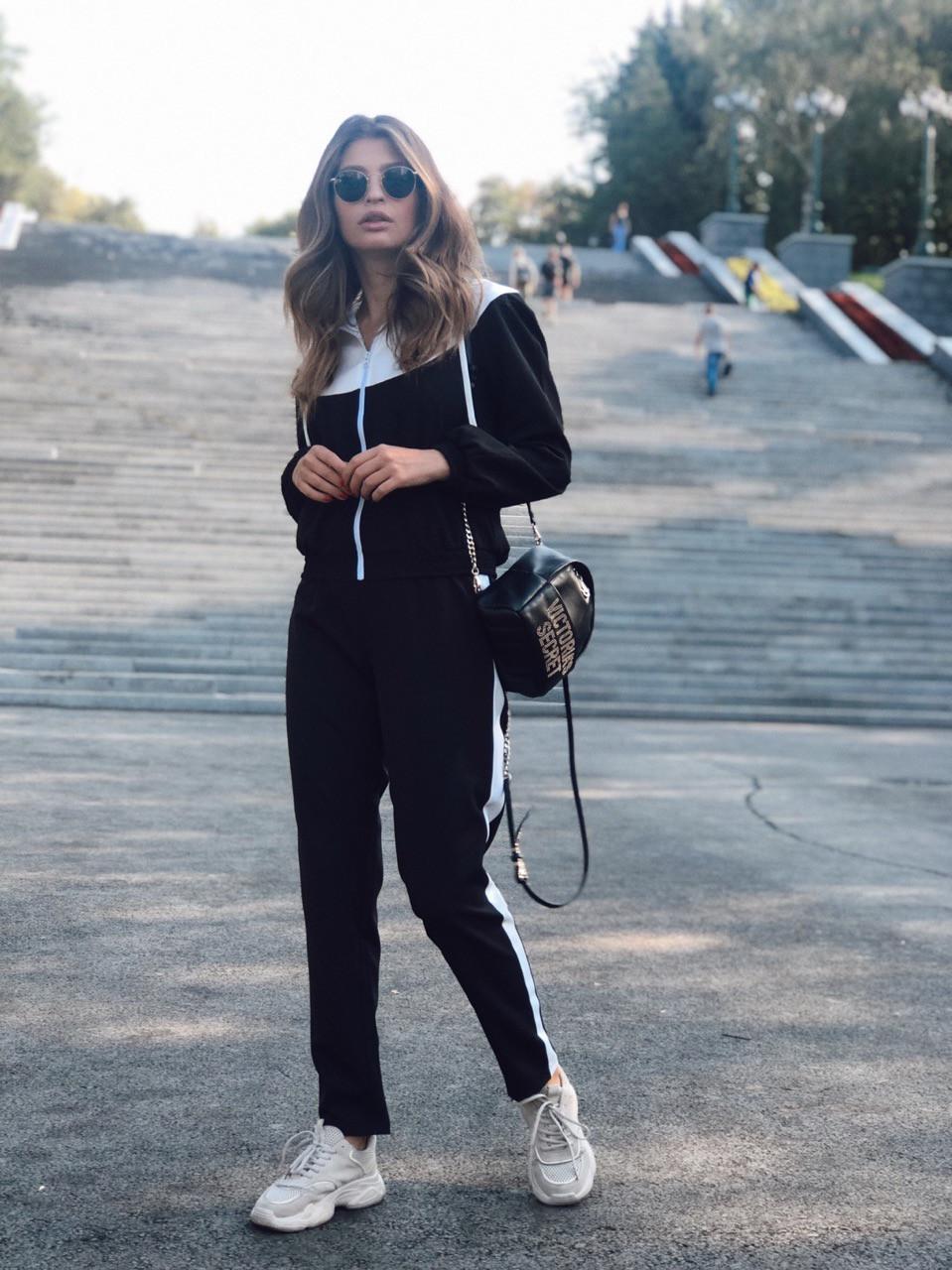 Женский спортивный костюм с капюшоном и мастеркой на молнии 73spt753