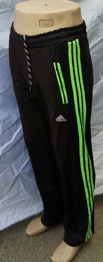 Спортивные брюки мужские с зелёными вставками