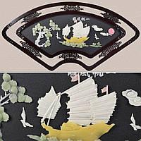Картина веер белый парусник под натур. камень в ажурной раме (41709.006)