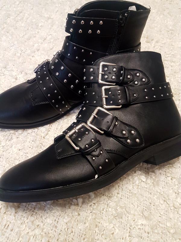 Распродажа! размер 41 Missguided Фирменные черные ботинки
