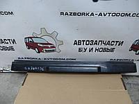 Планка подсветки номера (пластик под крышку багажника) Nissan Bluebird T12 /T72 (1985-1990) OE:84810D4601