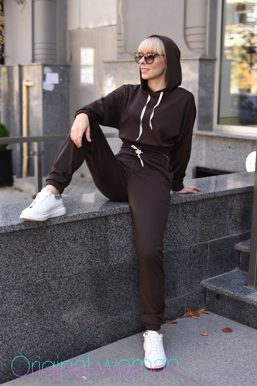 Трикотажный женский спортивный костюм с укороченным худи и штанами на манжетах vN3414