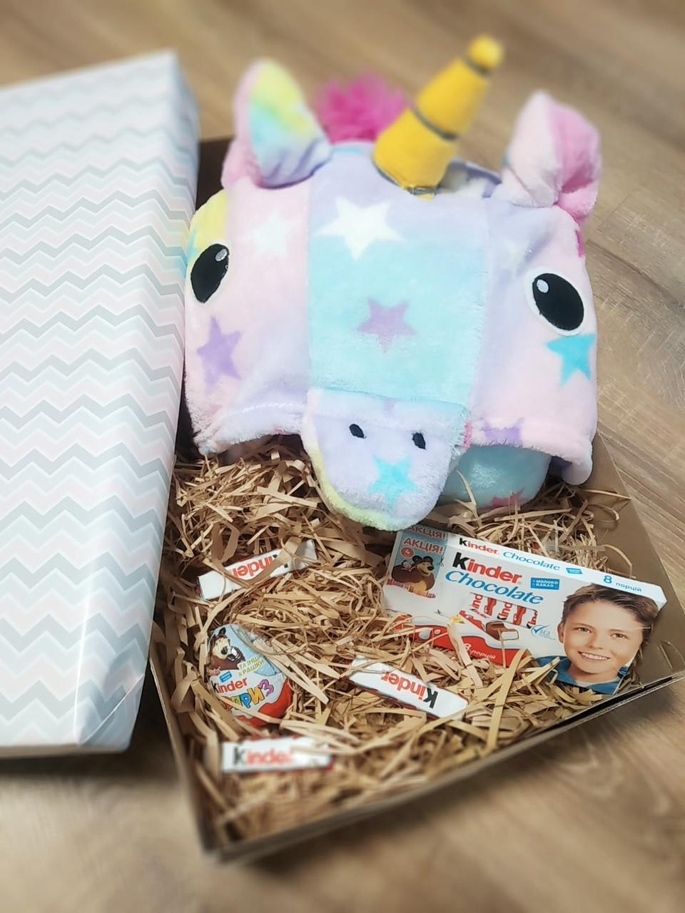 Подарочный набор для детей с пижамой кигуруми и киндер шоколадом