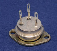 П213Б транзистор германиевый  PNP (5А 45В) (h21Э >40) 10W