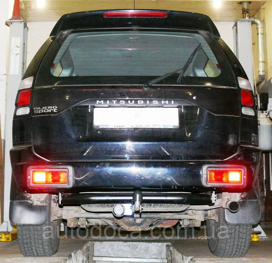 Фаркоп Mitsubishi Pajero Sport 1998-2010 с установкой! Киев