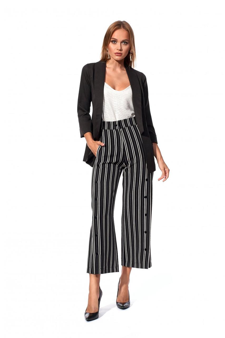 Женский костюм с брюками кюлот черный
