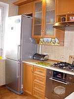 Кухня з рамочними фасадами