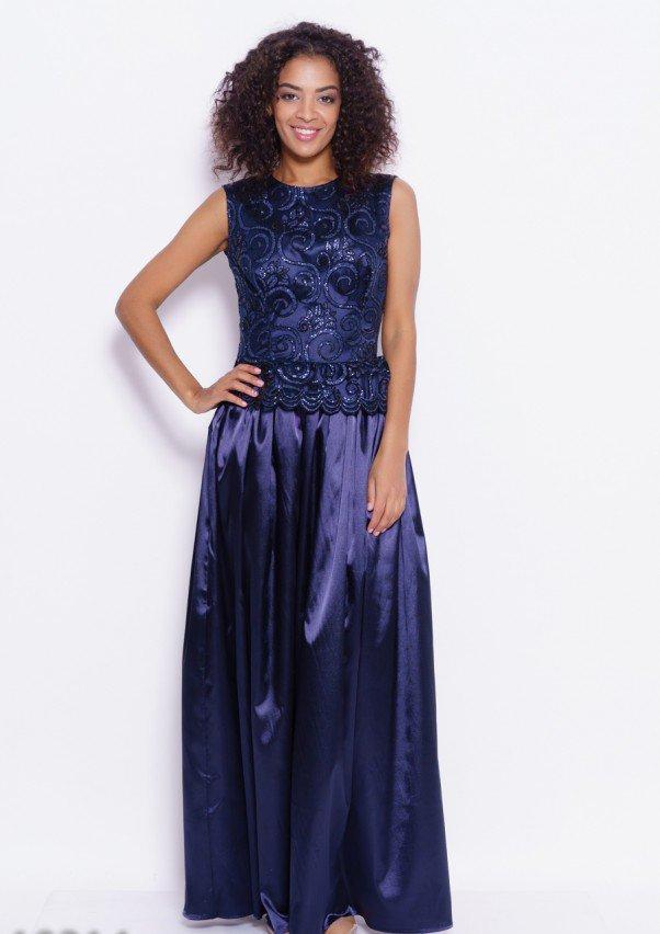 Темно-синее вечернее платье в пол с облегающим кроем и расклешенной струящейся юбкой из атласа S