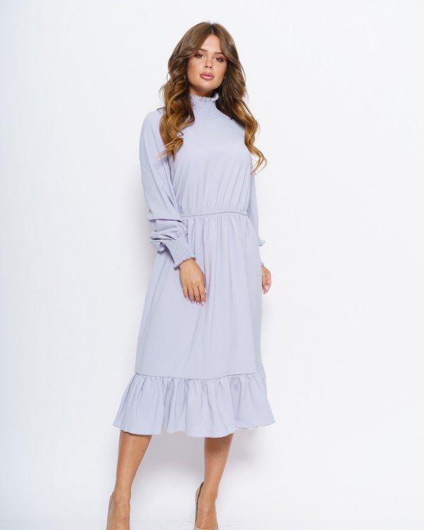 Серое приталенное миди платье с жаткой