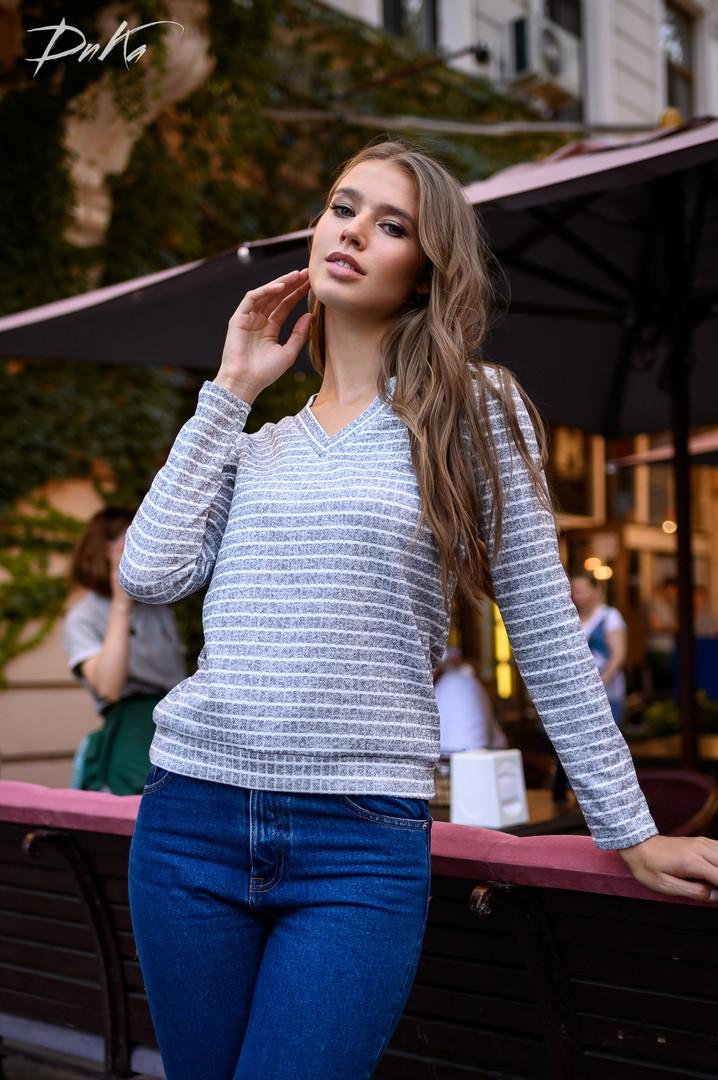 Женский модный свитер  ДГр15239