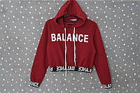 """Укороченный свитшот с капюшоном и принтом """"Balance"""" - Бордовый 44 размер"""