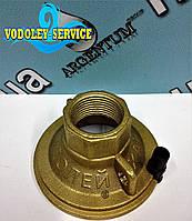 """Крышка латунная 1"""" для насоса Водолей БЦПЭУ ( внутренний кабель )"""