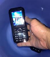 Защищенный водонепроницаемый кнопочный телефон Land Rover XP8 IP67 с большой батареей ( Hummer H2, S6)