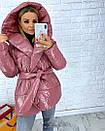Короткая лаковая куртка-одеяло с капюшоном 3kr182, фото 3