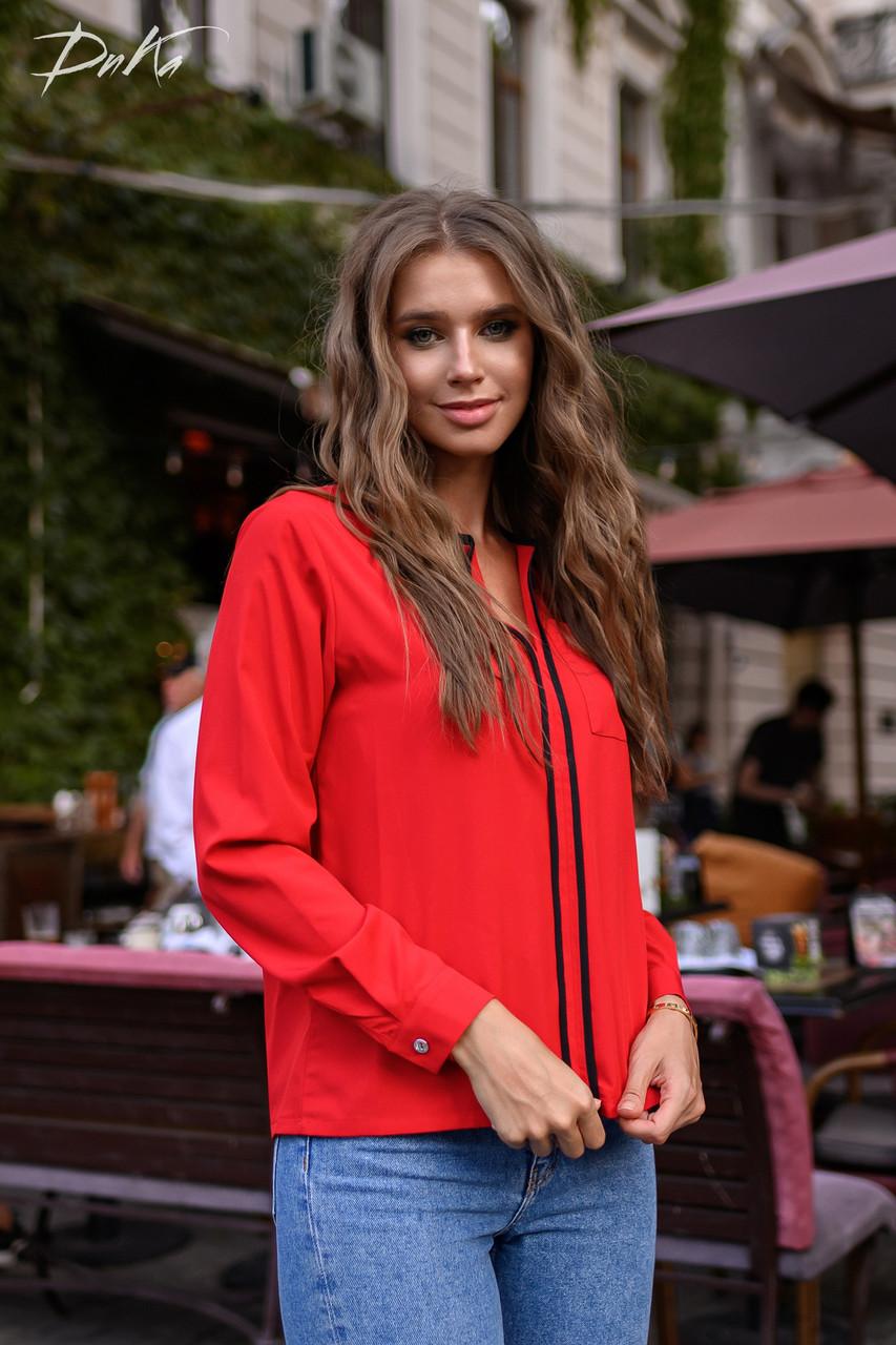 Симпатичная блуза с вставкой