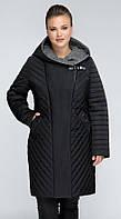 Женское стеганое пальто демисезонное приталенного силуэта еврозима больших размеров черного цвета