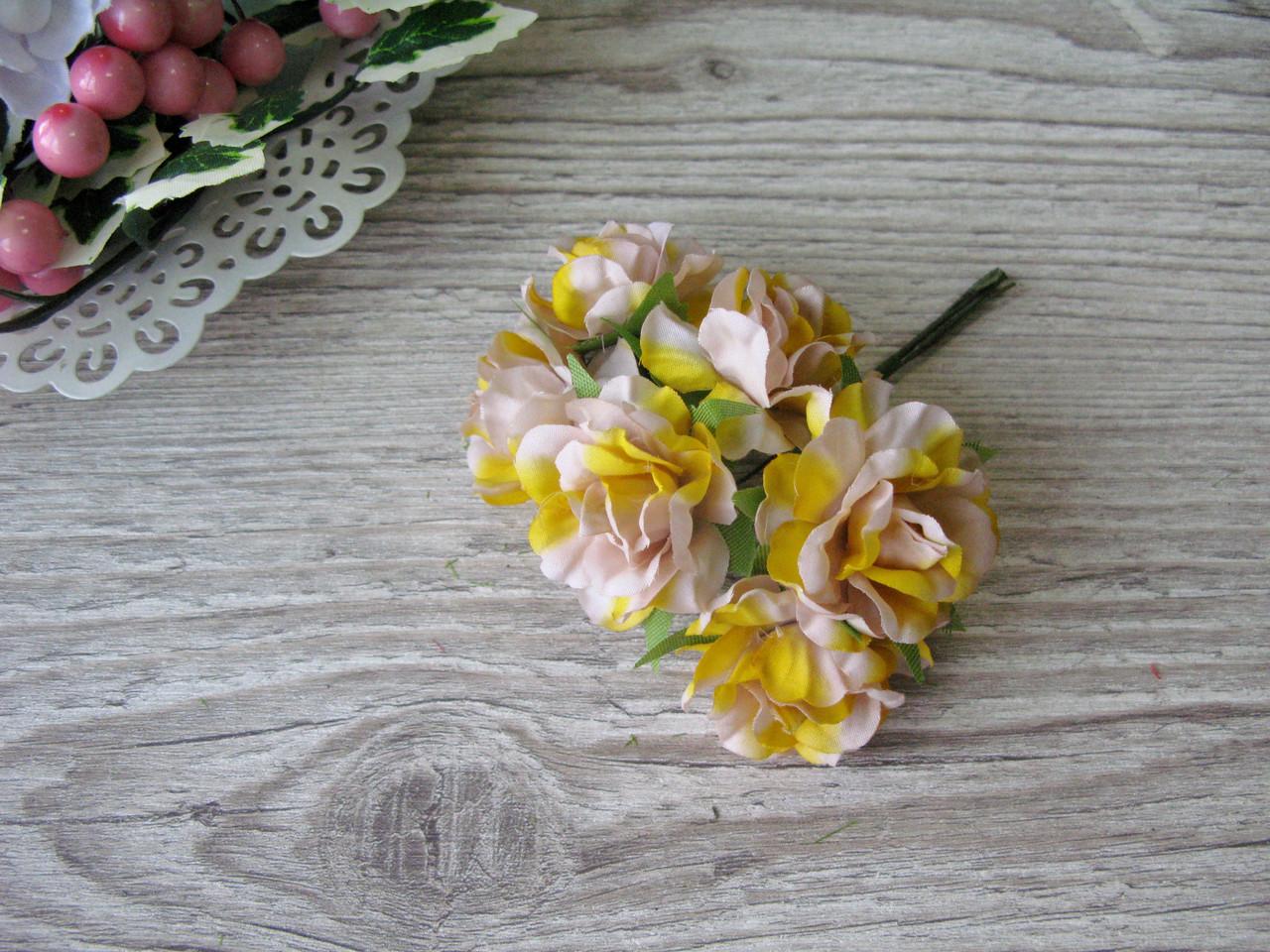 Роза тканевая желтая 3.5 см пучок 6 шт - 20 грн