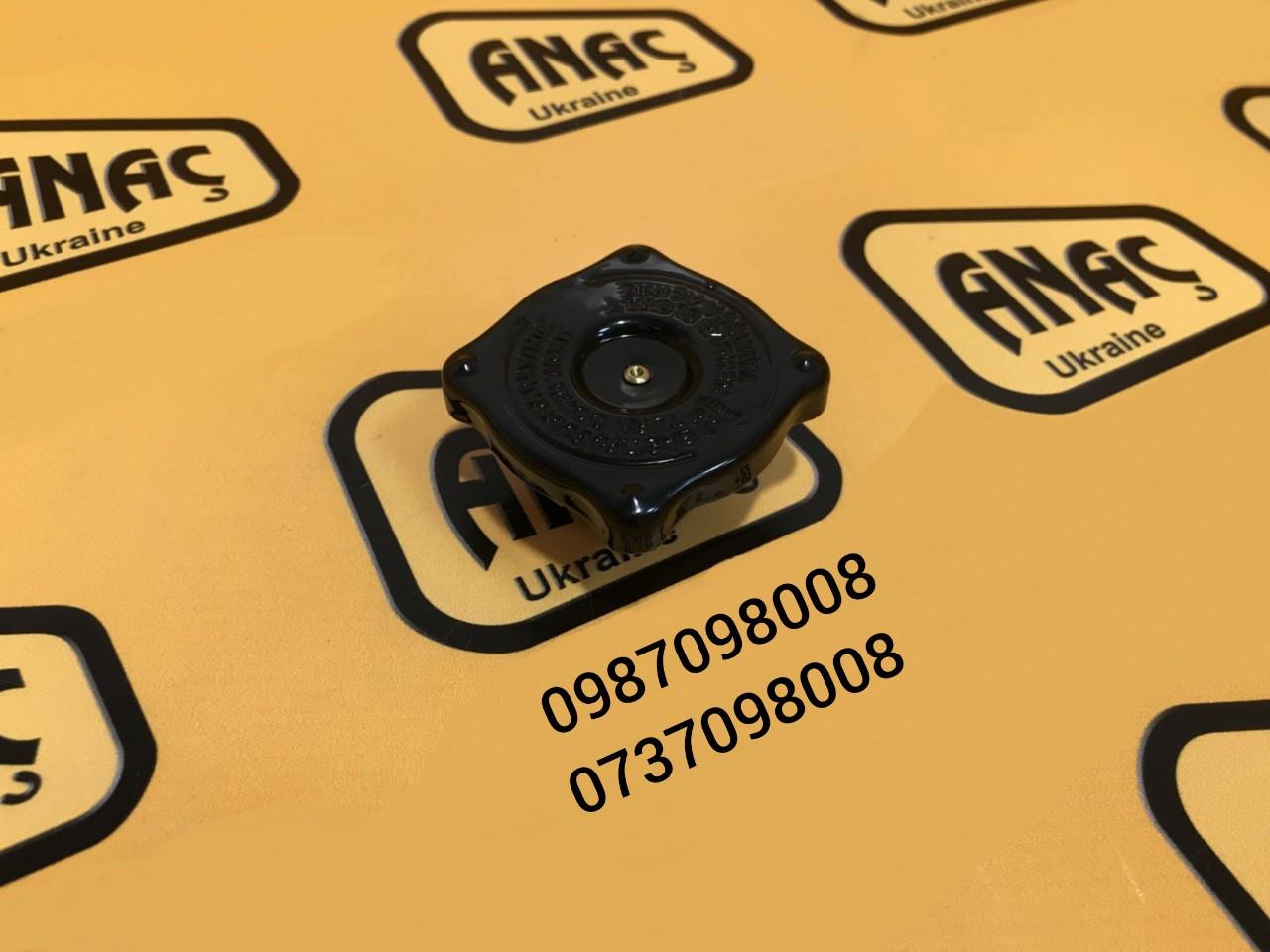 Крышка для радиатора системы охлаждения на JCB 3CX, 4CX номер : 121/60601, 30/926179, 30/203001, LZG0012