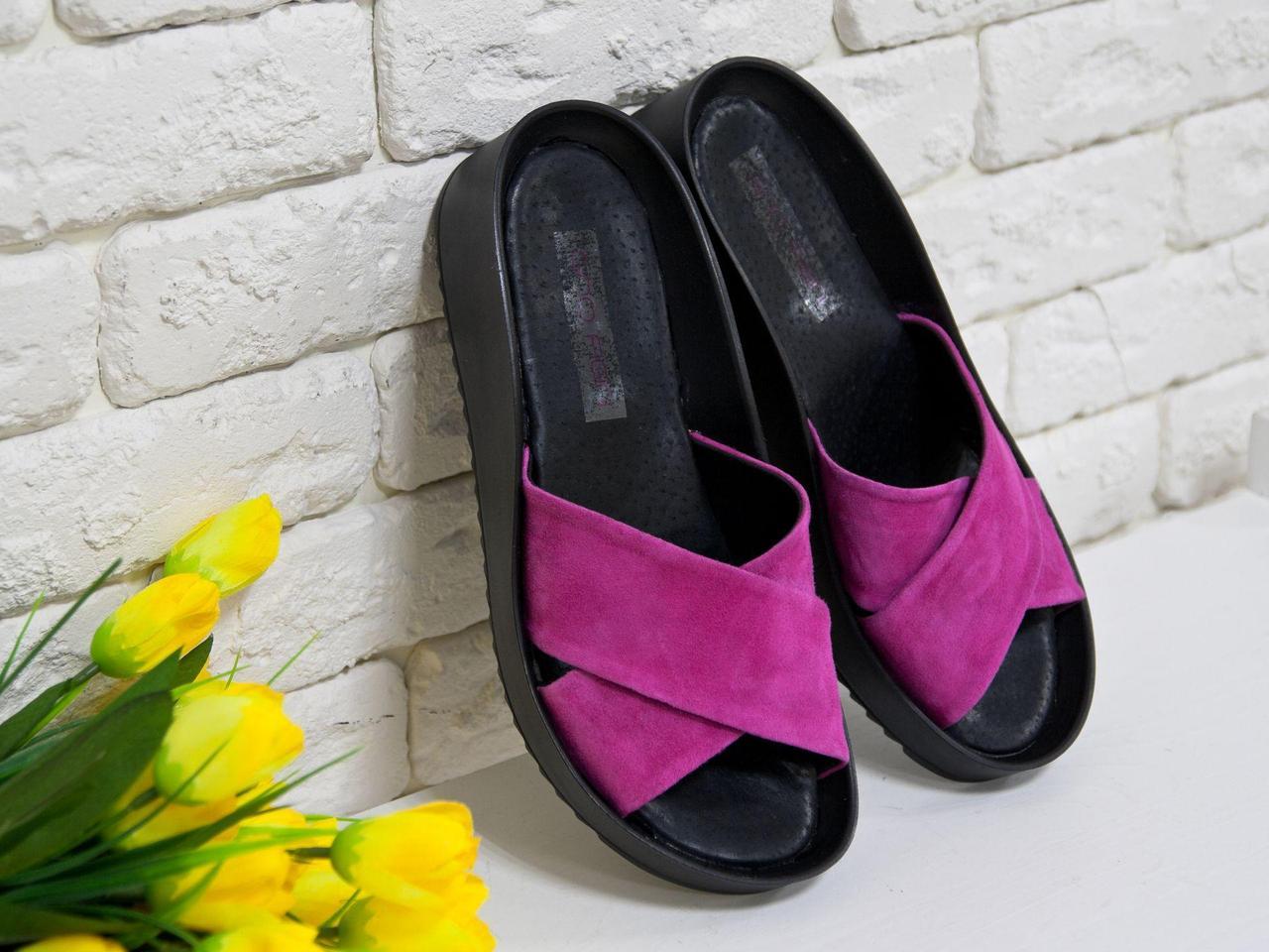 Шлепанцы из натуральной замши розового цвета на удобной подошве черного цвета, Коллекция Весна-Лето, С-563