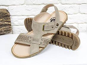 Мужские сандалии-шлепки из нубука цвета латте, на ребристой прорезиненной подошве, С-12