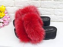 Меховые Шлепанцы из натуральной кожи черного цвета, с мехом натурального песца ярко красного цвета, на утолщенной платформе, С-560/3-05