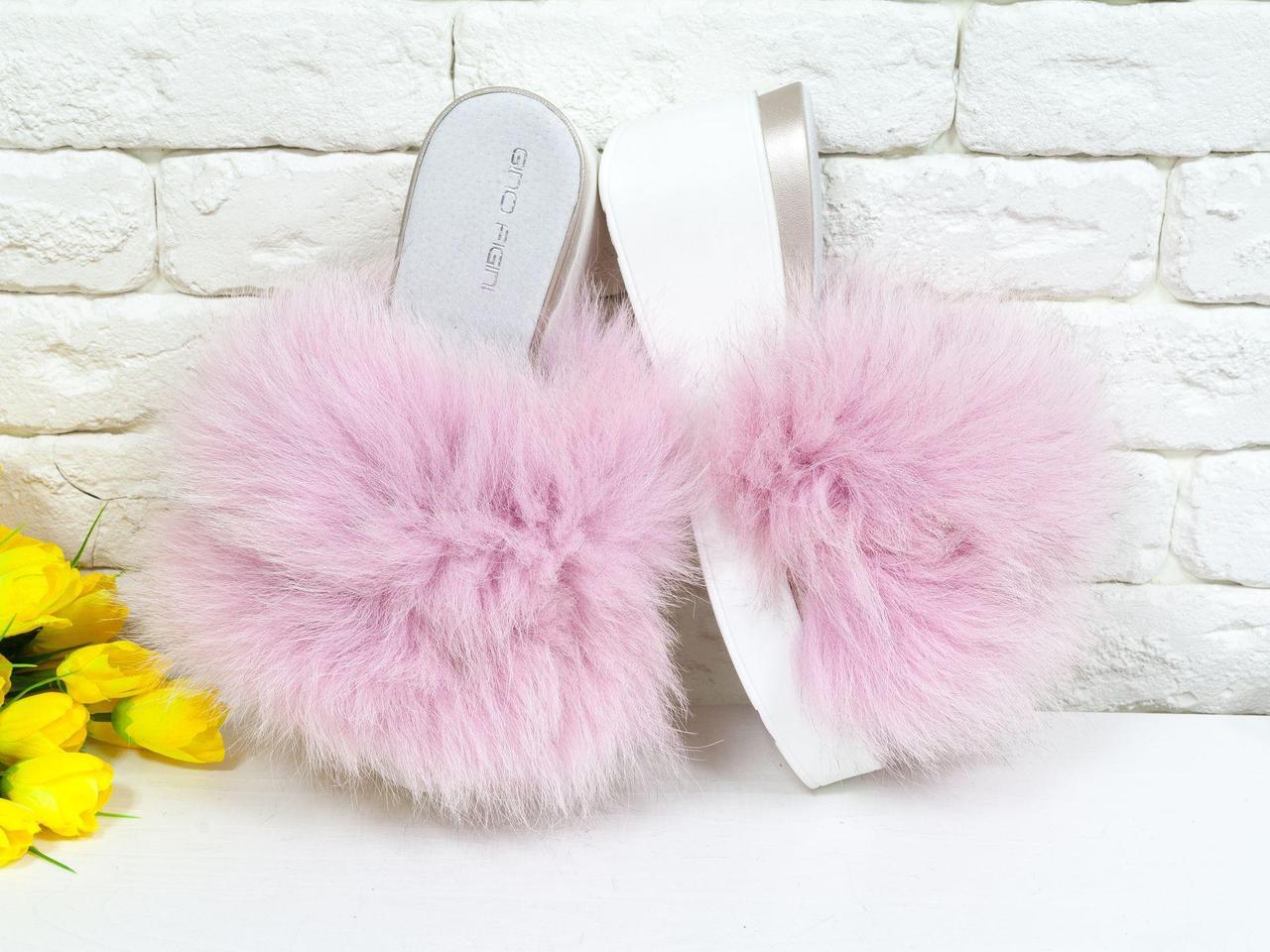 Меховые шлепанцы из натуральной кожи с пушистым мехом песца нежно розового цвета на удобной платформе белого цвета,  С-560/5-01