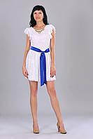 Гипюровое нежное красивое синее платье с белым атласным поясом и украшением на горловине